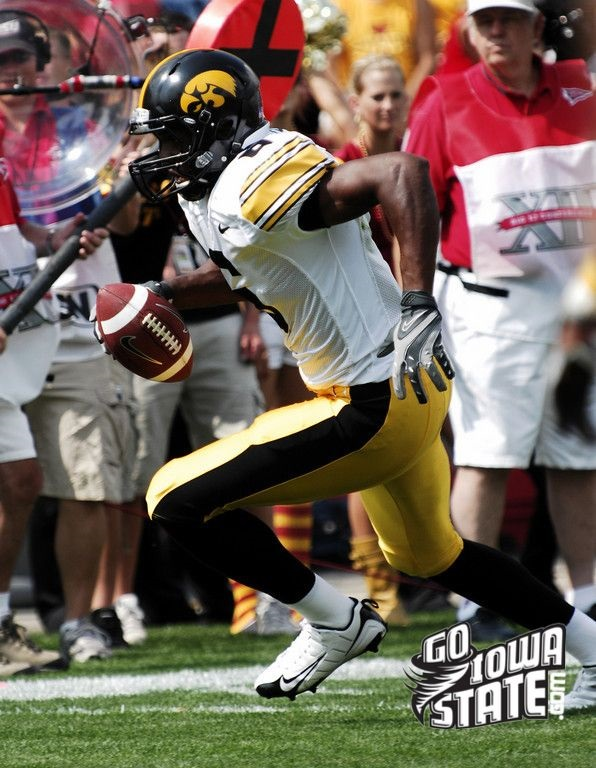 If Davis can hold onto the ball after the catch as well as he holds onto after contact in the act of the reception, he could have a nice NFL career. Photo by Go Iowa State.