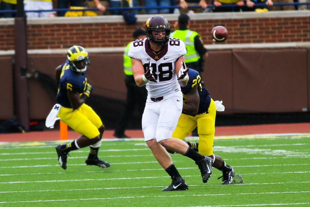 Do not adjust your monitors, the RSP Film Room is featuring a tight end. Photo by GoMBlog.